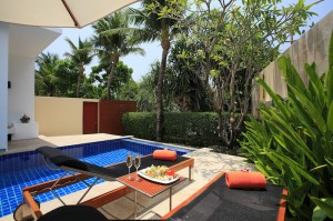 Beachfront Pool Villa - Pool Side I