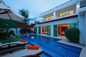 Beachfront Grand Pool Villa 2 beds-1