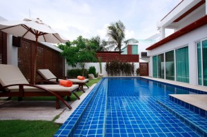 Beachfront Grand Pool Villa 2 beds